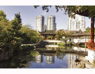 """Photo 10: 1110 688 ABBOTT Street in Vancouver: Downtown VW Condo for sale in """"FIRENZE II"""" (Vancouver West)  : MLS®# V714174"""