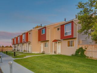 Photo 33: 47 5425 PENSACOLA Crescent SE in Calgary: Penbrooke Meadows Row/Townhouse for sale : MLS®# C4261781