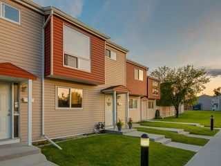 Photo 35: 47 5425 PENSACOLA Crescent SE in Calgary: Penbrooke Meadows Row/Townhouse for sale : MLS®# C4261781
