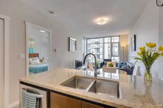 """Photo 4: 505 135 W 2ND Street in North Vancouver: Lower Lonsdale Condo for sale in """"CAPSTONE"""" : MLS®# R2435181"""