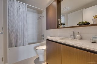 """Photo 14: 505 135 W 2ND Street in North Vancouver: Lower Lonsdale Condo for sale in """"CAPSTONE"""" : MLS®# R2435181"""