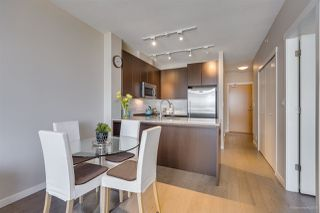 """Photo 6: 505 135 W 2ND Street in North Vancouver: Lower Lonsdale Condo for sale in """"CAPSTONE"""" : MLS®# R2435181"""