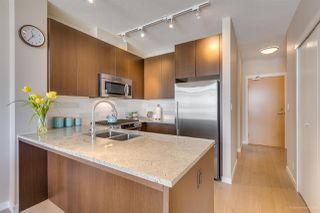 """Photo 3: 505 135 W 2ND Street in North Vancouver: Lower Lonsdale Condo for sale in """"CAPSTONE"""" : MLS®# R2435181"""