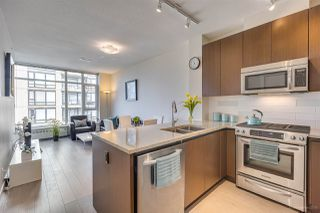 "Main Photo: 505 135 W 2ND Street in North Vancouver: Lower Lonsdale Condo for sale in ""CAPSTONE"" : MLS®# R2435181"