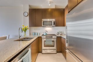 """Photo 2: 505 135 W 2ND Street in North Vancouver: Lower Lonsdale Condo for sale in """"CAPSTONE"""" : MLS®# R2435181"""