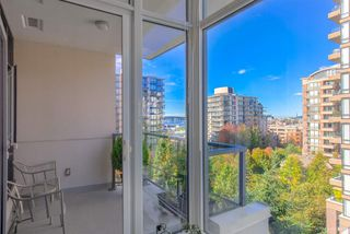 """Photo 8: 505 135 W 2ND Street in North Vancouver: Lower Lonsdale Condo for sale in """"CAPSTONE"""" : MLS®# R2435181"""