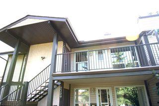 Photo 2: 2111 SADDLEBACK Road in Edmonton: Zone 16 Carriage for sale : MLS®# E4200856