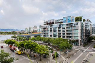 "Photo 11: 501 123 W 1ST Avenue in Vancouver: False Creek Condo for sale in ""COMPASS"" (Vancouver West)  : MLS®# R2465773"