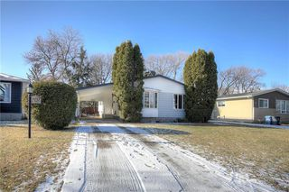 Photo 1: 707 Grierson Avenue in Winnipeg: Fort Richmond Residential for sale (1K)  : MLS®# 202028093