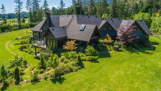 Photo 1: 2920 Meadow Dr in : Na North Jingle Pot House for sale (Nanaimo)  : MLS®# 862318