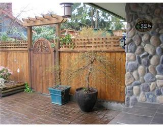 Photo 1: 32 GLENMORE DR in West Vancouver: Home for sale : MLS®# V824655