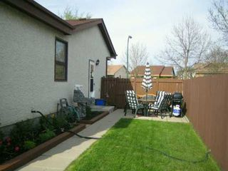 Photo 4: 101 SAUVE Crescent in Winnipeg: St Vital Single Family Detached for sale (South East Winnipeg)  : MLS®# 2606939