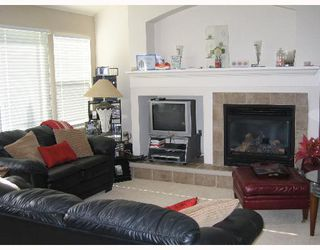 "Photo 3: 76 17097 64TH Avenue in Surrey: Cloverdale BC Townhouse for sale in ""Kentucky Lane"" (Cloverdale)"