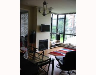 Photo 9: 307 6833 Station Hill Drive in Burnaby: South Slope Condo for sale (Burnaby South)  : MLS®# V660691