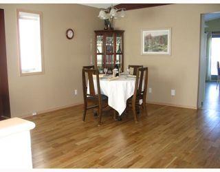 Photo 3: 230 VINELAND in WINNIPEG: Fort Garry / Whyte Ridge / St Norbert Residential for sale (South Winnipeg)  : MLS®# 2801751
