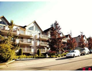 Photo 1: 401 33478 ROBERTS Avenue in Abbotsford: Central Abbotsford Condo for sale : MLS®# F2807381
