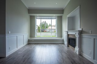 Photo 2: 7210 STRIDE Avenue in Burnaby: Edmonds BE House 1/2 Duplex for sale (Burnaby East)  : MLS®# R2396327
