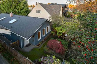 "Photo 3: 2831 W 12TH Avenue in Vancouver: Kitsilano House for sale in ""KITSILANO"" (Vancouver West)  : MLS®# R2417860"