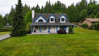 Main Photo: 1081 TIMBERLAND Road: Roberts Creek House for sale (Sunshine Coast)  : MLS®# R2468974