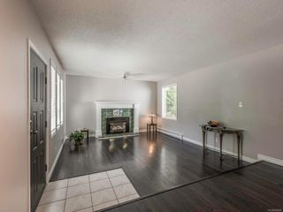 Photo 3: 4618 Falaise Dr in : SE Broadmead House for sale (Saanich East)  : MLS®# 850985