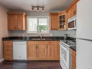 Photo 10: 4618 Falaise Dr in : SE Broadmead House for sale (Saanich East)  : MLS®# 850985