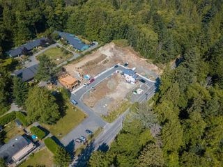"Photo 5: LOT 10 FOXGLOVE LANE: Bowen Island Land for sale in ""Village by the Cove"" : MLS®# R2505718"