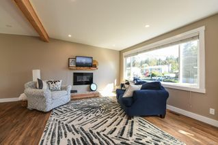 Photo 6: 381 Denman St in : CV Comox (Town of) House for sale (Comox Valley)  : MLS®# 858909