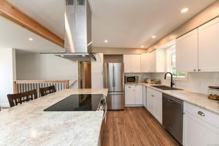 Photo 3: 381 Denman St in : CV Comox (Town of) House for sale (Comox Valley)  : MLS®# 858909
