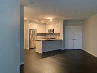 "Photo 5: 313 607 COTTONWOOD Avenue in Coquitlam: Coquitlam West Condo for sale in ""STANTON HOUSE"" : MLS®# R2520402"