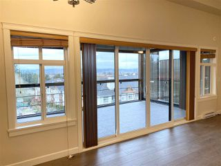 Photo 17: 502 14588 MCDOUGALL Drive in Surrey: King George Corridor Condo for sale (South Surrey White Rock)  : MLS®# R2520980