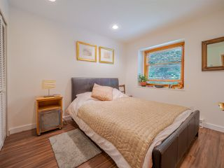 Photo 10: 7983 LOHN Road in Halfmoon Bay: Halfmn Bay Secret Cv Redroofs House for sale (Sunshine Coast)  : MLS®# R2398983