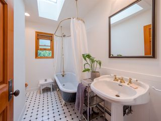 Photo 11: 7983 LOHN Road in Halfmoon Bay: Halfmn Bay Secret Cv Redroofs House for sale (Sunshine Coast)  : MLS®# R2398983