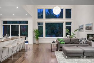 Photo 5: 1923 PARKWAY Boulevard in Coquitlam: Westwood Plateau House for sale : MLS®# R2401537