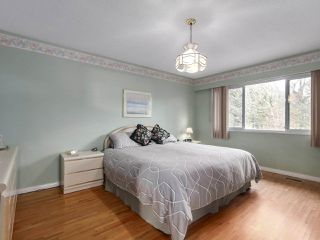 Photo 13: 7939 BURNLAKE Drive in Burnaby: Government Road House for sale (Burnaby North)  : MLS®# R2431786