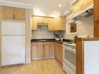 """Photo 12: 207 1549 KITCHENER Street in Vancouver: Grandview Woodland Condo for sale in """"Dharma Digs"""" (Vancouver East)  : MLS®# R2435050"""