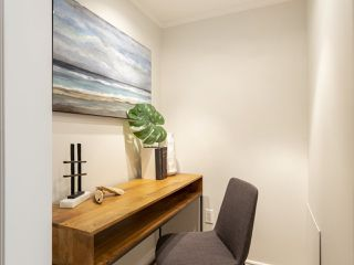 """Photo 18: 207 1549 KITCHENER Street in Vancouver: Grandview Woodland Condo for sale in """"Dharma Digs"""" (Vancouver East)  : MLS®# R2435050"""