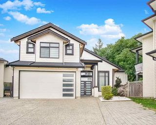 "Photo 1: 3484 HAZELWOOD Place in Abbotsford: Central Abbotsford House for sale in ""Hazelwood"" : MLS®# R2492768"