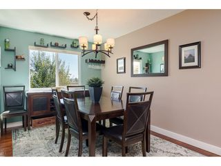 """Photo 8: 18372 58B Avenue in Surrey: Cloverdale BC House for sale in """"Cloverdale"""" (Cloverdale)  : MLS®# R2493461"""