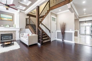 Photo 3: 9751 160A Street in Surrey: Fleetwood Tynehead House for sale : MLS®# R2509402