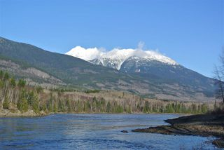 Photo 2: 22709 16 Highway: Kitwanga House for sale (Smithers And Area (Zone 54))  : MLS®# R2518634