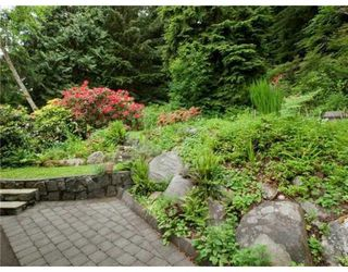 Photo 2: 1621 DEEP COVE RD in North Vancouver: House for sale : MLS®# V835288