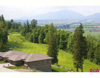 "Photo 2: 111 51075 FALLS Court in Chilliwack: Eastern Hillsides House for sale in ""EMERALD RIDGE"" : MLS®# H2702216"