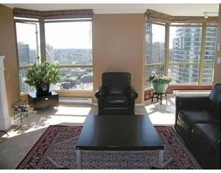 "Photo 3: 2602 867 HAMILTON Street in Vancouver: Downtown VW Condo for sale in ""JARDINE'S LOOKOUT"" (Vancouver West)  : MLS®# V674303"