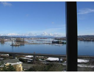 """Photo 2: 702 69 JAMIESON Court in New_Westminster: Fraserview NW Condo for sale in """"Palace Quay"""" (New Westminster)  : MLS®# V687132"""