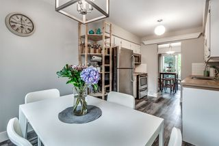 Photo 2: 3 2023 MANNING Avenue in Port Coquitlam: Glenwood PQ Townhouse for sale : MLS®# R2405901