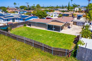 Photo 4: CLAIREMONT House for sale : 3 bedrooms : 4592 Southampton St. in San Diego
