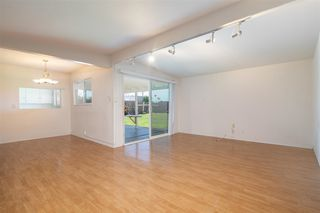 Photo 7: CLAIREMONT House for sale : 3 bedrooms : 4592 Southampton St. in San Diego