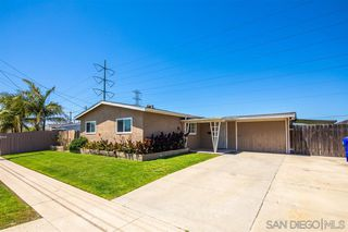 Photo 2: CLAIREMONT House for sale : 3 bedrooms : 4592 Southampton St. in San Diego