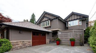Photo 1: 2571 NEWMARKET Drive in North Vancouver: Edgemont House for sale : MLS®# R2460587