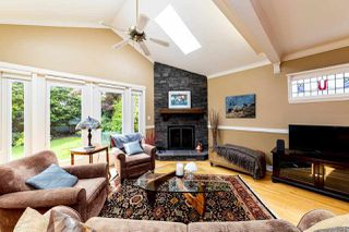 Photo 5: 2571 NEWMARKET Drive in North Vancouver: Edgemont House for sale : MLS®# R2460587